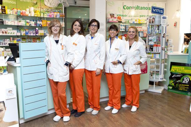 Fotografía del equipo que compone Farmacia - Ortopedia García Caudevilla